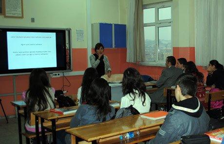 Öğrenciler deprem konusunda bilgi aldı