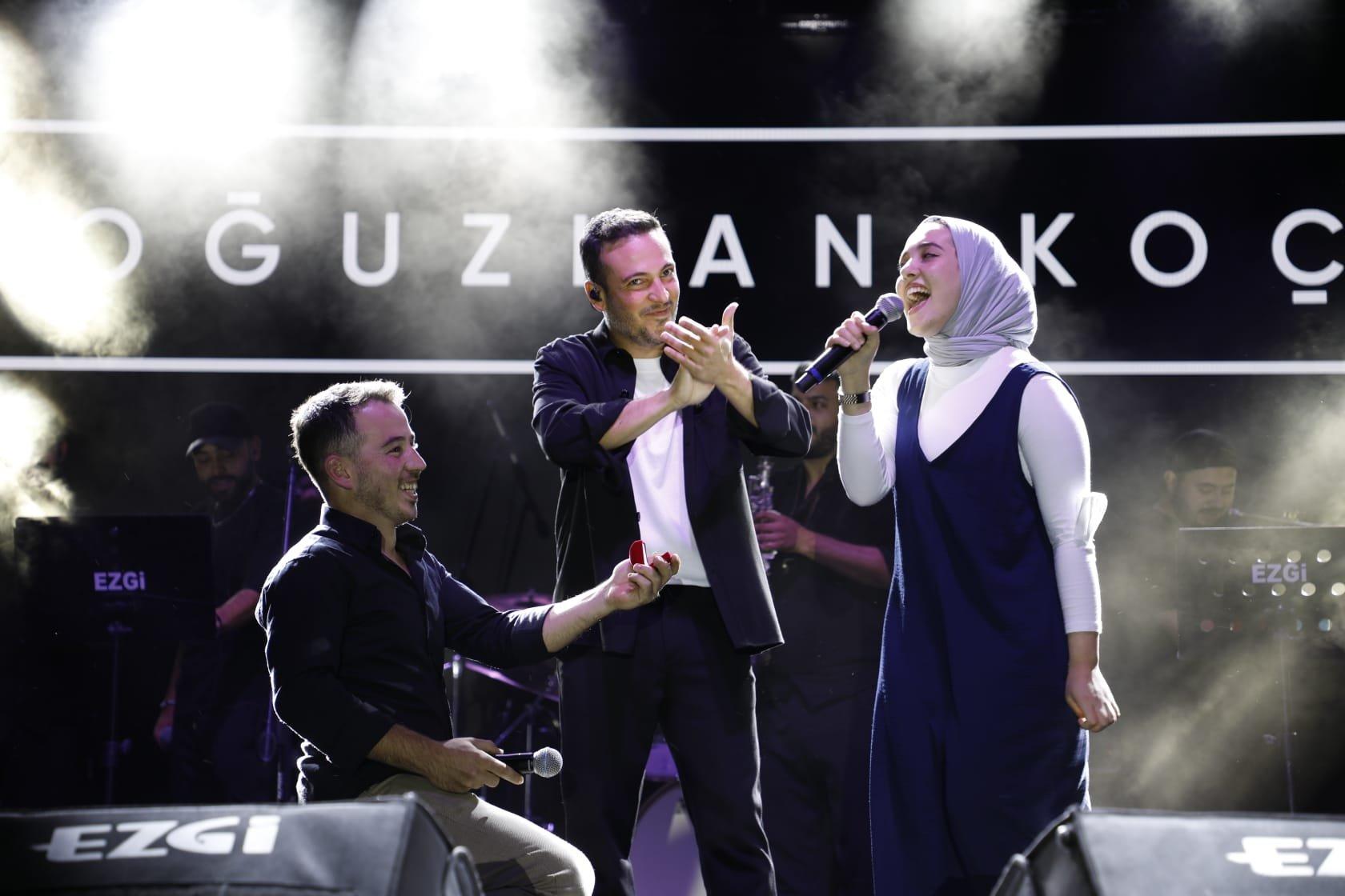 Oğuzhan Koç konserinde sürpriz evlilik teklifi#video