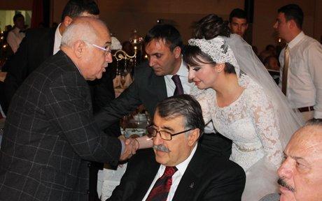 Ömer Eyüpoğlu ile Derya Gülel  evlendi.