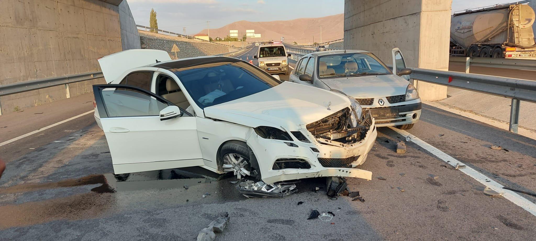 Otomobil köprüden uçtu :3 yaralı
