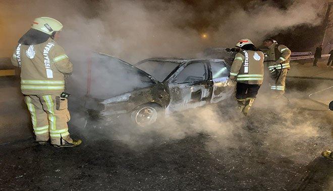 Pendik'te otomobil yangını