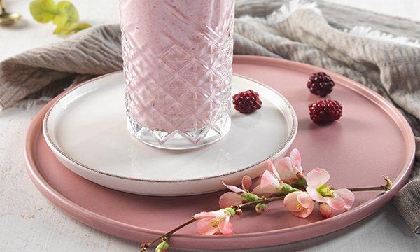 Pink Power Smoothie ile meme sağlığına katkıda bulun!