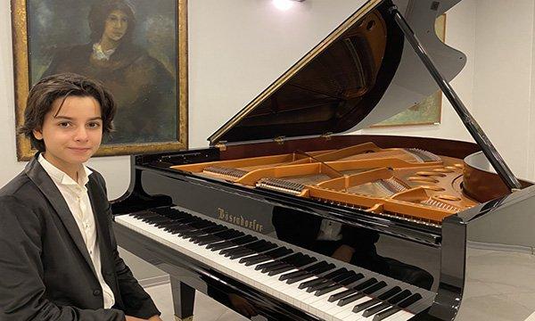 """Piyanonun""""Genç yıldızı""""nın """"Birincilik""""Gururu"""
