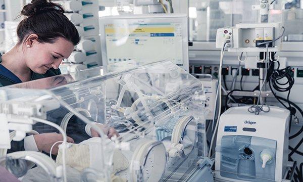 Prematüre bebekler Dräger'le nefes alıyor