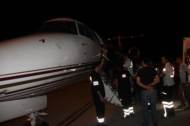 Prematüre İkizler, Ambulans Uçakla Erzurum'a Sevk Edildi