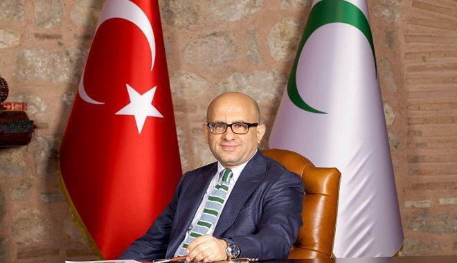 Prof. Dr. Mücahit Öztürk, Sigara Can Yakıyor