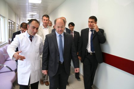 Recep Akdağ KAÜ Hastanesini inceledi