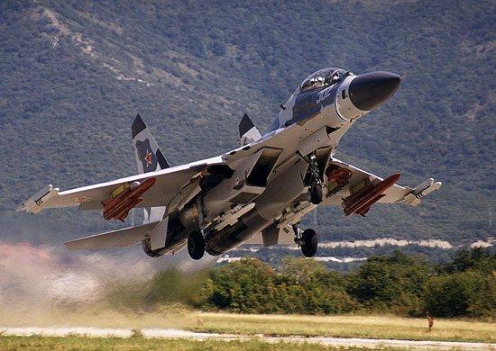 Rus savaş uçakları ABD bombardıman uçaklarını engelledi