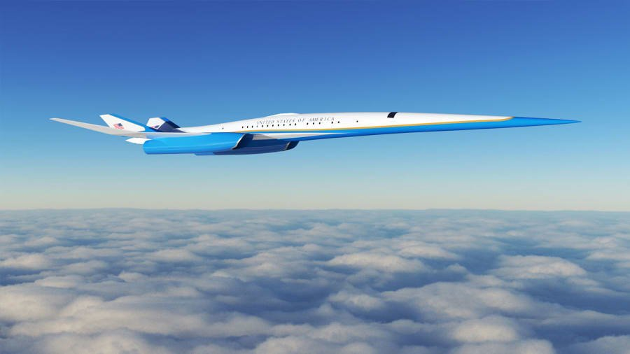 Saatte 2 bin 205 kilometre hıza kadar ulaşabilen uçak