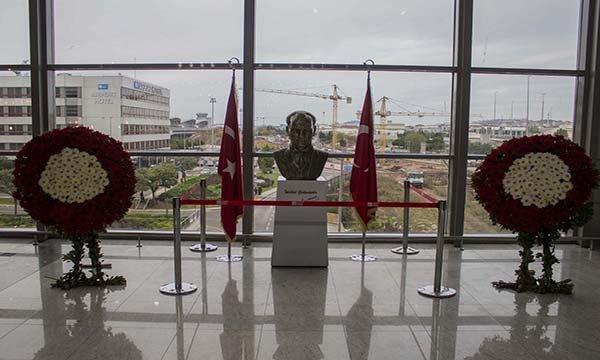 Sabiha Gökçen'de 10 Kasım anma töreni (video)