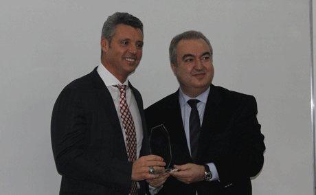 Sadettin Saran Yılın en iyi yöneticisi ödülünü aldı