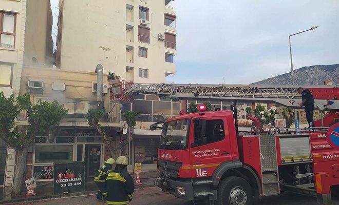 Şehzadeler'de et restoranında yangın