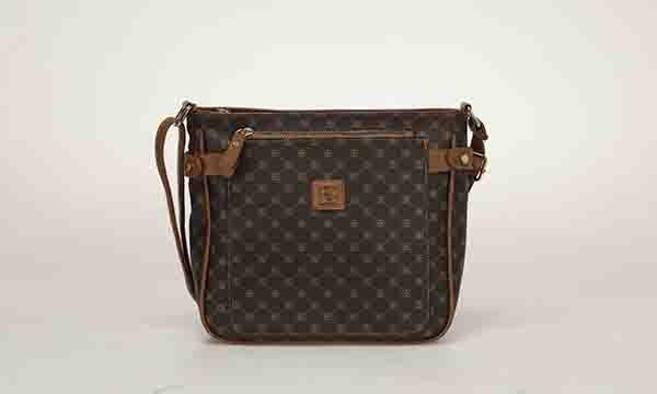 Şık detaylarıyla fark yaratan çantalar Butigo'da!