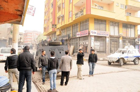Şırnak'ta polise saldırı: 2 Kişi Gözaltında!