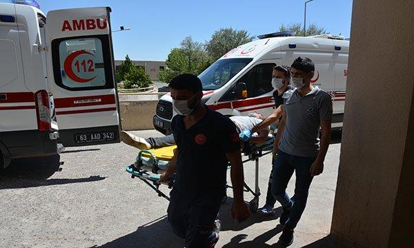 Siverek'te otomobil devrildi: 9 yaralı