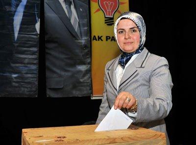 Şükriye Karabulut Orhan yeniden başkanlığa seçildi.