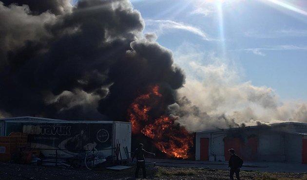 Tavuk üretim tesisi çıkan yangında kullanılamaz hale geldi