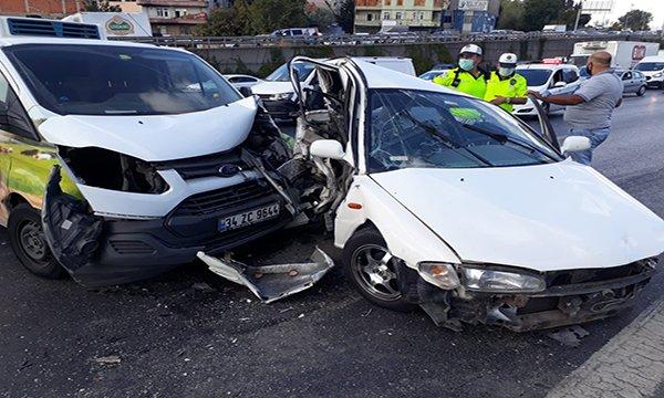 TEM'de trafik kazası: yoğun trafik oluştu