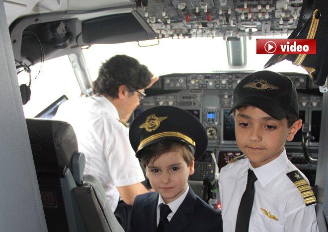 THY uçağı çocuklarla uçtu