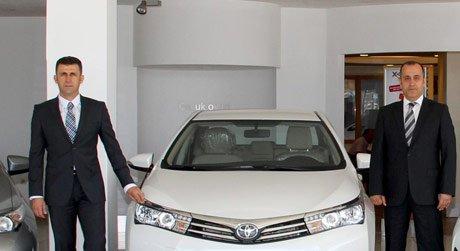 Toyota, yeni elektrikli modellerini görücüye çıkardı.