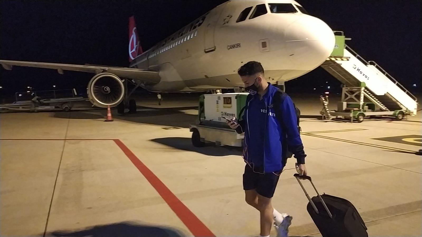 Trabzonspor kafilesi, dönüş yolunda rüzgar engeline takıldı.