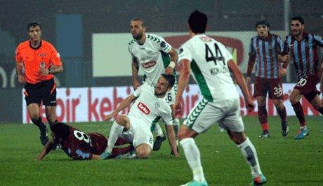 Trabzonspor, Torku Konyaspor'u 3-2 mağlup etti
