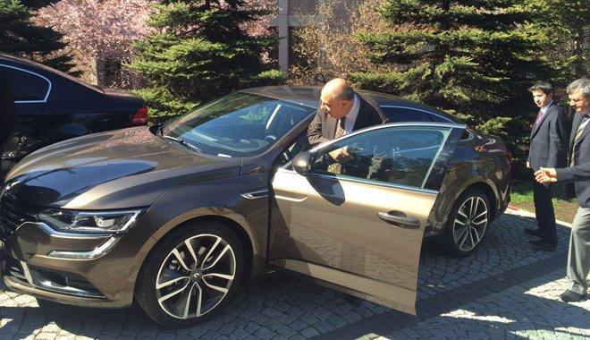 Tuğrul Türkeş Renault Talisman tercih etti