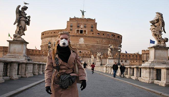 Tüm İtalya karantinaya alındı, turistik kentler boş kaldı