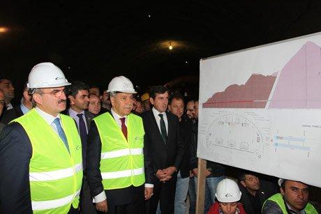 Türkiye'nin en uzun tünelinde sona gelindi.