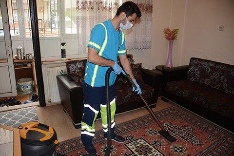 Tuzla'da ihtiyaç sahibi vatandaşın evi temizlendi