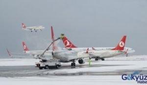 Uçaklar alkol ve glikoz karışımı bir sıvıyla yıkanıyor.