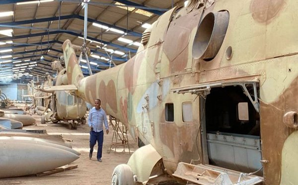 UMH ordusu, Vatiyye Askeri Üssü'ndeki askeri araçları ele geçirdi