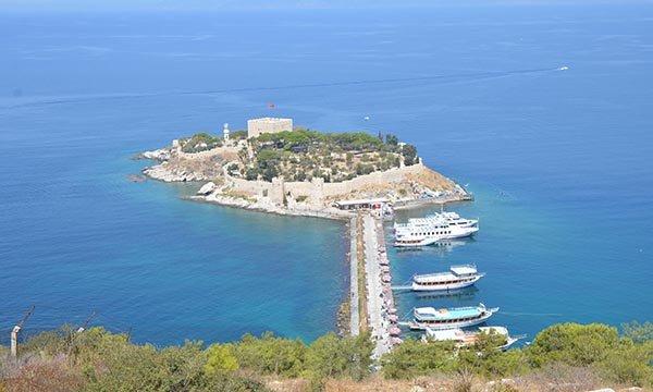 UNESCO Listesi'ndeki Güvercinada Kalesi'ne yoğun ilgi