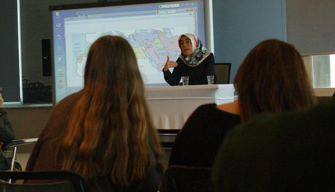 Üsküdar Üniversitesi'nde Arap Baharı söyleşisi
