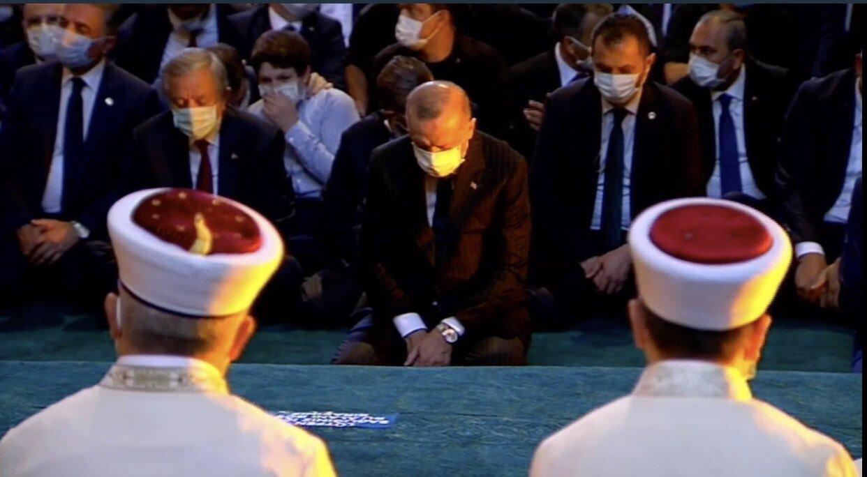 video Erdoğan'dan Ayasofya'da Kur'an-ı Kerim tilaveti!