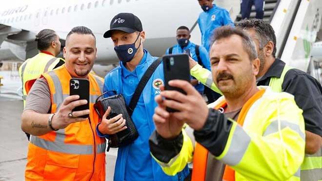video# Fenerbahçe, Almanya'ya geldi