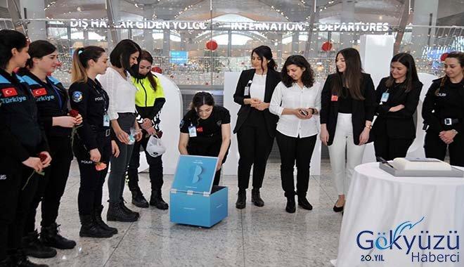 Emirates İlk Yolcu Uçuşlarını Duyurdu