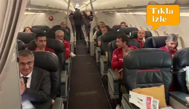 video THY'den milli takıma uçak içinde tebrik anonsu