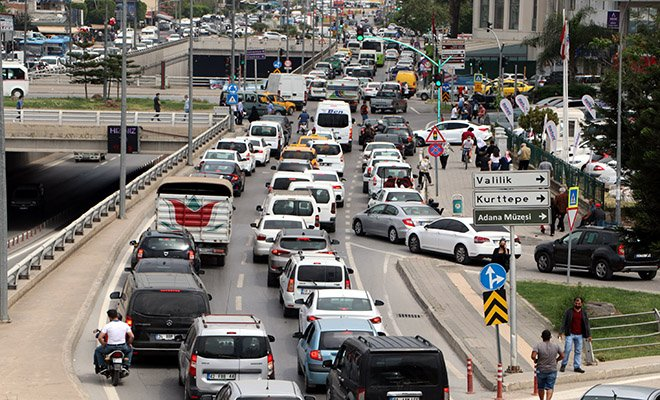 (video)#Adana'da otogar 'tam kapanma' yoğunluğu