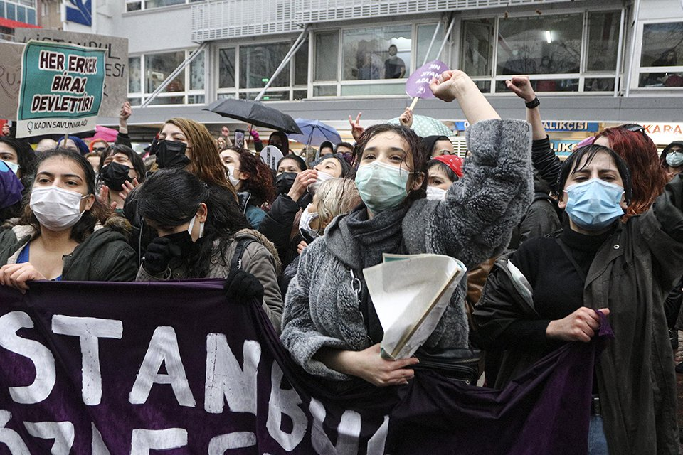 (video)Ankara'da 'İstanbul Sözleşmesi' kararı
