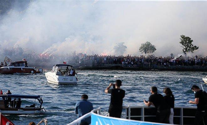 video#Beşiktaş'ın şampiyonluk kutlamaları teknede başladı