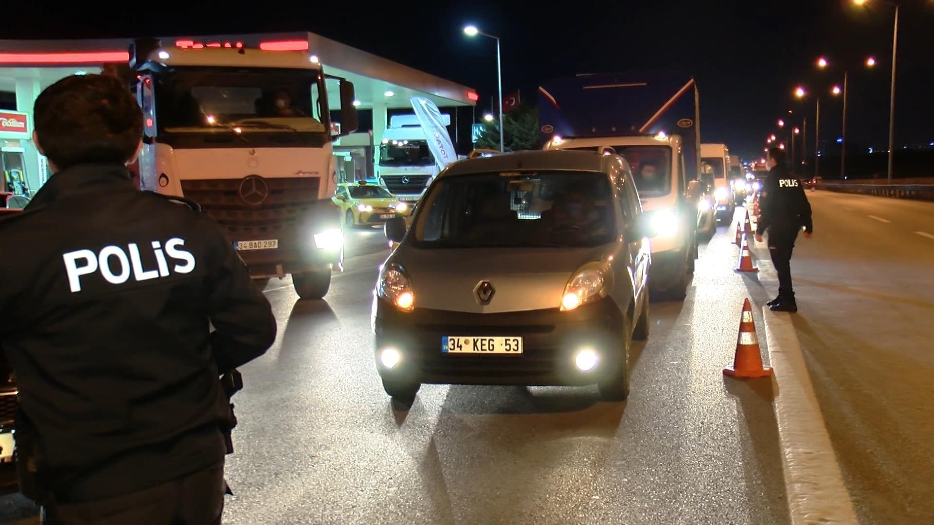 #video#İstanbul'da seyahat kısıtlaması başladı