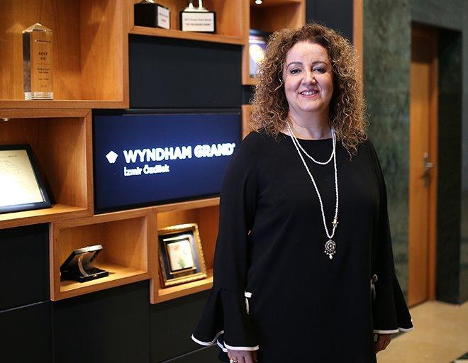 """Wyndham Grand İzmir Özdilek """"Best Of Wyndham Grand"""" ödülünü aldı"""