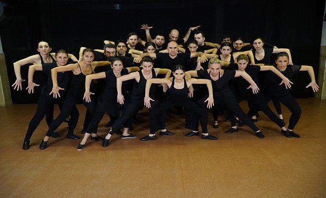 YOLCU dans tiyatrosu gala gösterimi