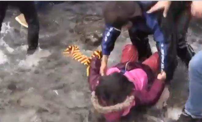 Yunanistan sınırında dikkat çeken video görüntüleri!